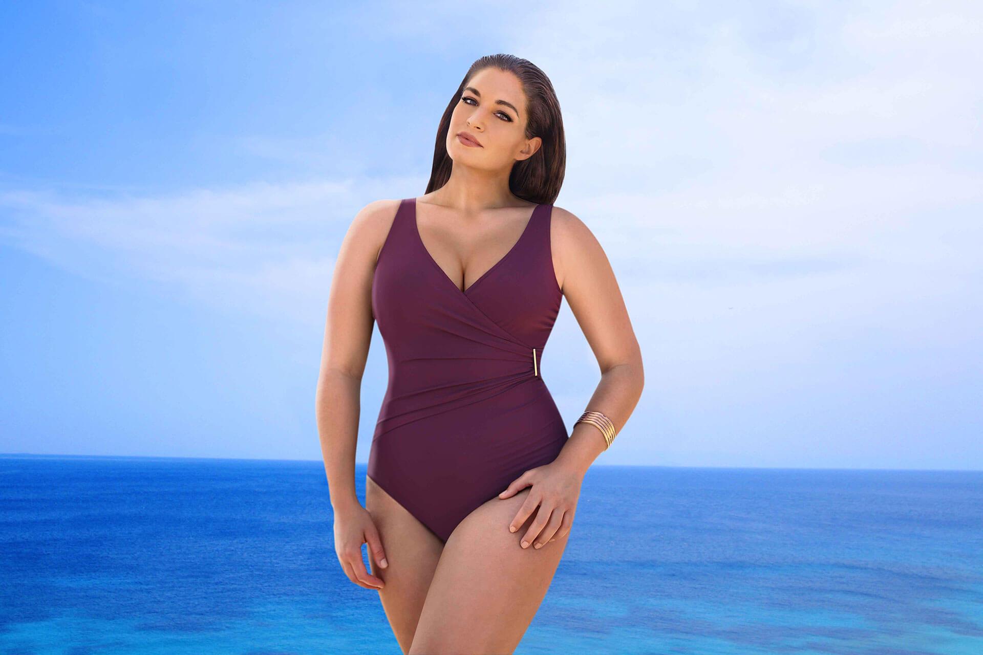 купальник слитный на большую грудь