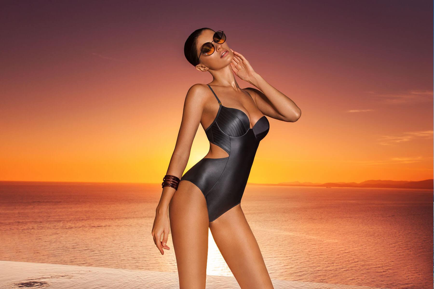 Купити суцільний купальник з чашечками в інтернет магазині Марк Андре 70b3654593548